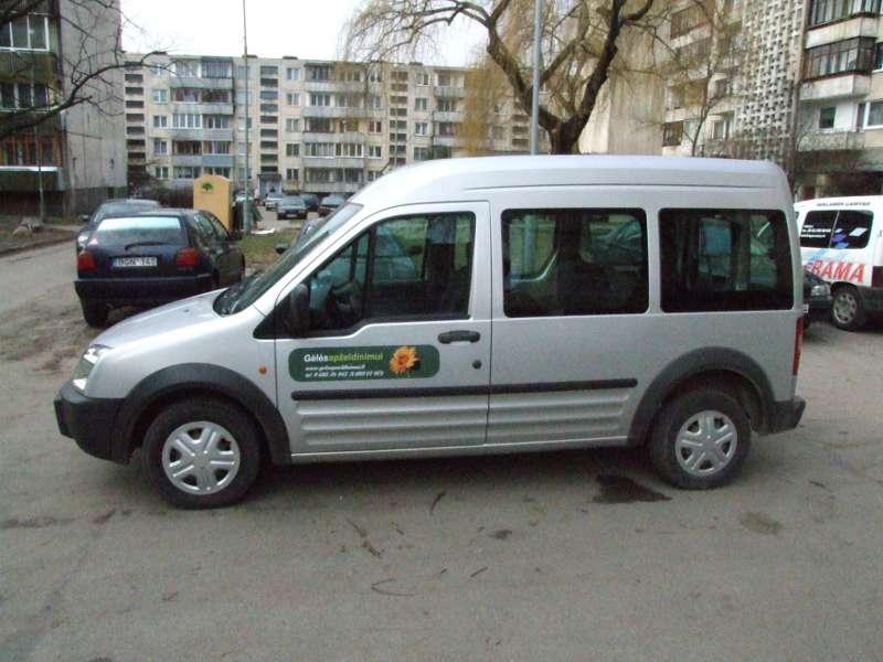 lipdukai_ant_automobiliu